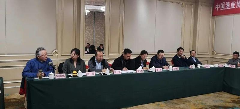 2、泓宝科技董事长邹国忠先生在会上发言