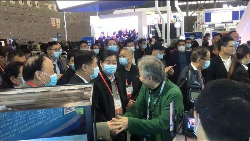 上海泓宝绿色水产股份有限公司董事长邹国忠