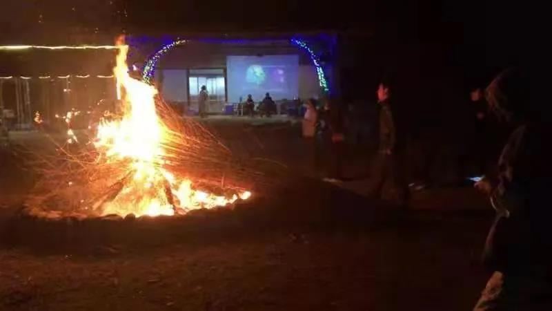 万竹农庄的篝火晚会