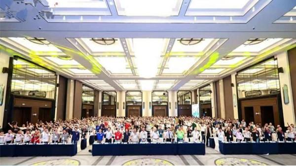 """上海泓宝""""救急菌""""荣获2019中国水产动保产业年度爆品"""